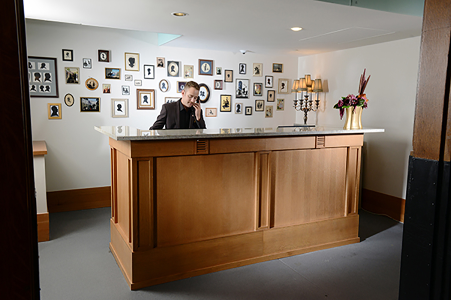 front-desk-at-the-crawford